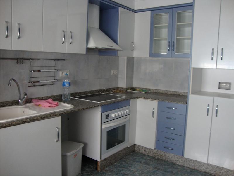 Alquiler piso vacío 4 habitaciones La Torre Valencia