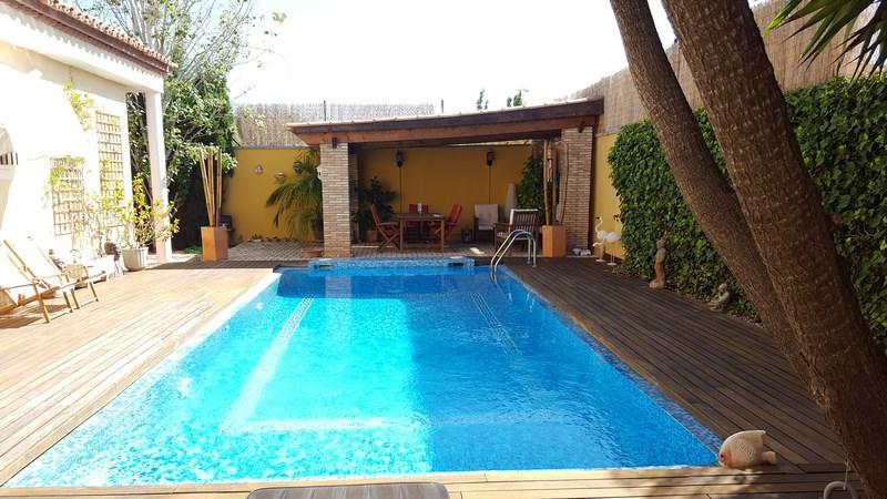 Venta chalet con piscina en Villamontes San Vicente Raspeig
