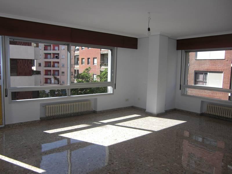 Alquiler piso vacío 4 habitaciones Valencia