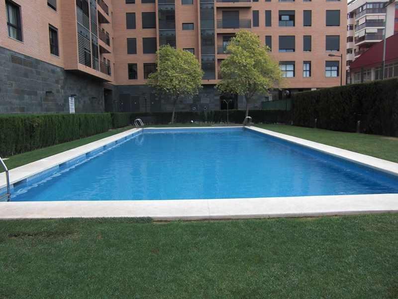 Alquiler piso con piscina en Avenida Francia Valencia
