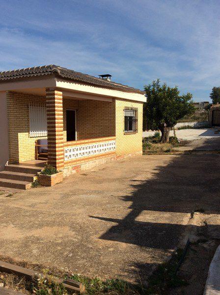 Venta chalet con parcela en Montserrat Valencia