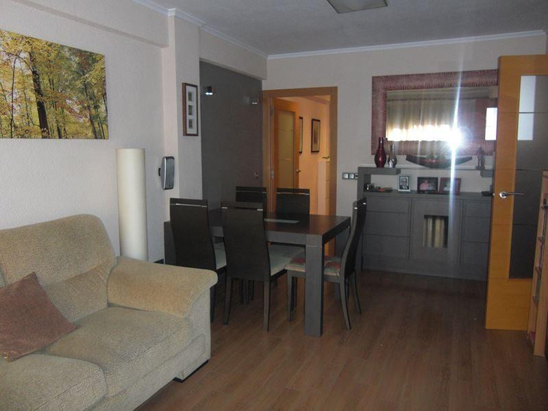 Venta piso reformado en Tomás de Villarroya Valencia