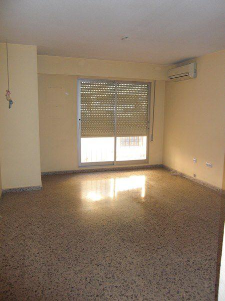 Venta piso con parking zona Jesús Valencia