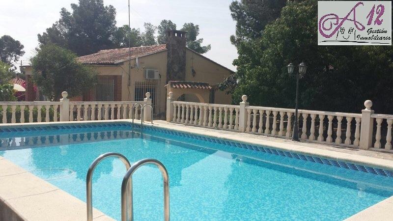 Alquiler Chalet con piscina en La Eliana Valencia