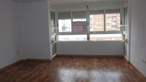 Alquiler piso 3 habitaciones junto avenida Cid Valencia