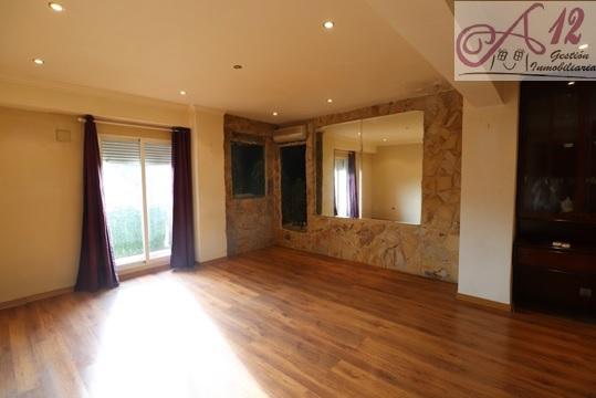 Alquiler piso con 4 habitaciones calle San Vicente Valencia