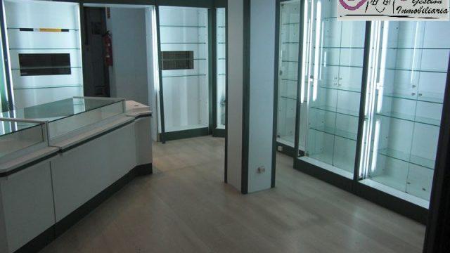 Alquiler local reformado en Jesús Valencia