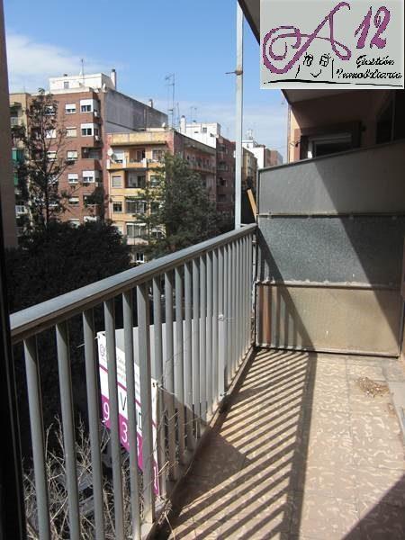 Venta piso para reformar junto a Gaspar Aguilar Valencia