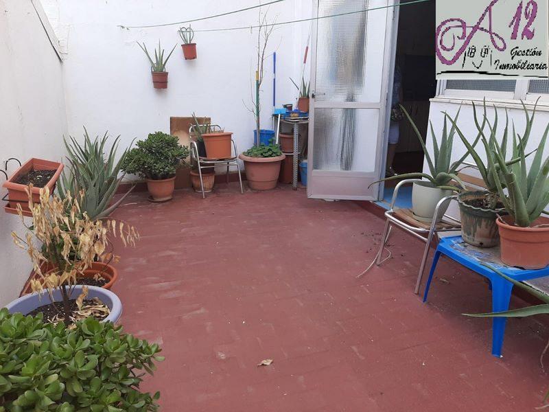 Venta piso buen estado con terraza en Valencia